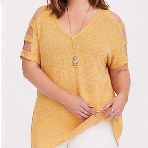 Torrid yellow top